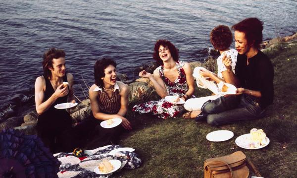 Détour | Pa(i)sajes | Tiernos bárbaros | La familia de Nan: parentesco y memoria en la fotografía de Nan Goldin | Annie Costello